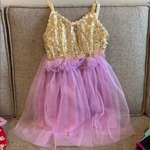 Other - Sparkly dress size 130